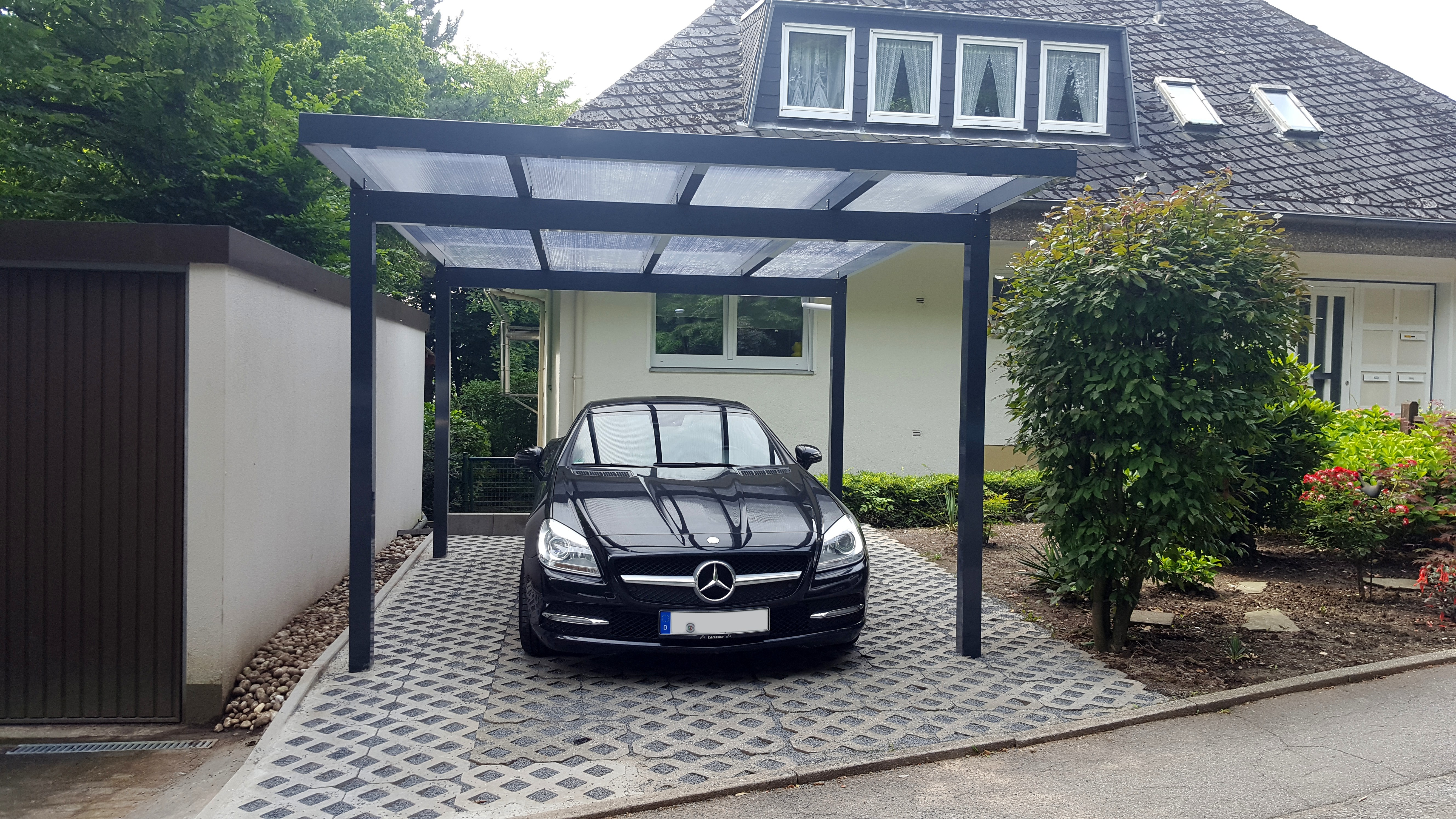 DuroPort® Flachdach-Einzelcarport aus Aluminium - Made in Germany