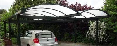 Doppelcarport aus Aluminium mit Bogendach